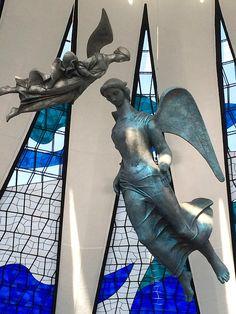 Oscar Niemeyer, Modern Church, Archi Design, Henri Rousseau, Church Architecture, Russian Art, African Art, Graphic Prints, Exterior Design