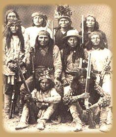 Apache warriors / Guerriers Apaches.