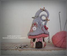 Maisonnette pique-aiguilles en laine feutrée nuances grises et rose : Accessoires de maison par les-vendredis-de-nath