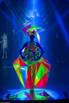 Australian designers dazzle at 'Lady Gaga on steroids' fashion show Australia stole the show at the World of WearableArt competition Avangard Fashion, Weird Fashion, Fashion Show, Fashion Details, Live Fashion, Trendy Fashion, World Of Wearable Art, Wow World, Art Costume