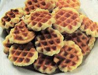Galettes or Belgium Waffle cookies Coffe Recipes, Vanilla Recipes, Waffle Cookies, Cupcake Cookies, Bar Cookies, Cupcakes, Surimi Recipes, Frases, Cupcake