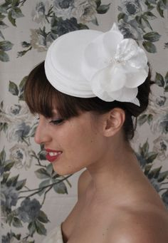 1950s,1960s style Bridal pillbox hat in ivory velvet with flower.Bride or Bridesmaids Hair Accessory.can add veil on request.