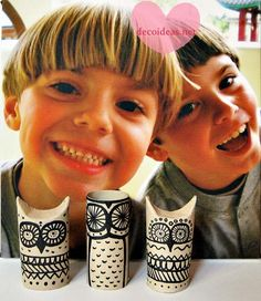Owl ornaments out of toiket paper rolls! Ha! Love it!