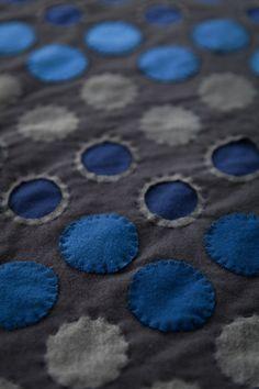 DIY POLKA DOT THROW - Alabama Chanin   Journal Reverse Applique, Hand Applique, Embroidery Applique, Fabric Art, Fabric Crafts, Fabric Embellishment, Embellishments, Sewing Appliques, Fabric Manipulation
