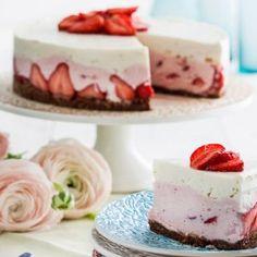Raikas rahkakakku ( No bake strawberry cheesecake) Baking Recipes, Cake Recipes, Baked Strawberries, Just Eat It, Recipes From Heaven, Piece Of Cakes, Amazing Cakes, Love Food, Food Inspiration