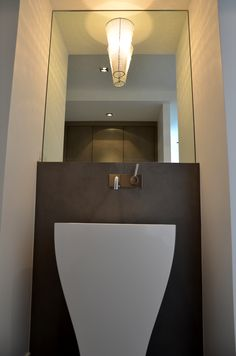 IG design / Unusual shape of sink and beautiful illumination. www.propertyrepublic.com
