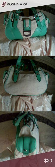 Selling this Gorgeous Guess handbag on Poshmark! My username is: inspiringstyle3. #shopmycloset #poshmark #fashion #shopping #style #forsale #Guess #Handbags