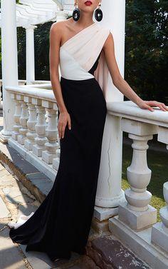 Get inspired and discover Elizabeth Kennedy trunkshow! Shop the latest Elizabeth Kennedy collection at Moda Operandi. Stylish Dresses, Elegant Dresses, Beautiful Dresses, Fashion Dresses, Formal Dresses, Next Dresses, Gala Dresses, Dresses For Work, Traje A Rigor