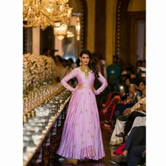 Gorgeous Sonal Chauhan spellbinding us, while walking around the glorious 101 table at Taj Falaknuma for our 'TALES OF PALATIAL HEIRLOOM'collection and @teach_for_change. @sonalchauhan #sonalchauhan #tajfalaknuma #teachforchange #walkforcause #indianfashionblogger #luxurious #shilpareddystudio #designerwear #luxury