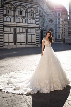 Likes, 36 Comments - Wedding Forward™ Royal Wedding Gowns, Wedding Dress With Veil, Wedding Dresses For Sale, Bridal Gowns, Fashion Photography Poses, Yes To The Dress, Royals, Marie, Ball Gowns