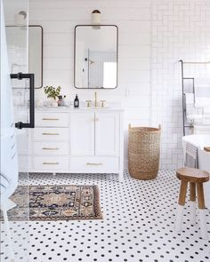 Bathroom Design Plan- what had more votes from 8,000 voters-. What is more important in a bathroom vanity. Double Sinks or Counter Space? #bathroomslink