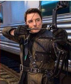 (19) Twitter John Barrowman Arrow, Jack Johns, Captain Jack Harkness, Supergirl 2015, Arrow Tv, Black Lightning, Torchwood, Super Hero Costumes, Freddy Krueger
