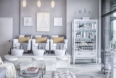 Jaja Spa can be summed up into one word: Glamour! Offering luxurious spa services to make you look and feel your best.