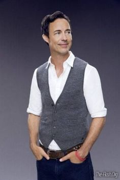 Tom Cavanagh - Dr Harrison Wells, 'The Flash'......but who fell for him as 'Ed'?  ME!!
