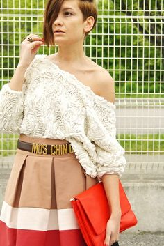 Moschino belt! Fashion Mag, Womens Fashion, Moschino Belt, American Apparel Tops, Zara Bags, Zara Skirts, Casual Outfits, Bell Sleeve Top, Girly