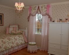Victorian Bedding Victorian Decorating ideas - Vintage decorating - Victorian Boudoir - Romantic Victorian Bedroom Decor - lace and ruffles bedding - floral bedding - victorian bedroom photos - Vintage decor - vintage themed bedroom for a girl Vintage Girls Rooms, Vintage Bedroom Styles, Vintage Decor, Vintage Room, Vintage Style, Pink Bedroom For Girls, Teen Girl Bedrooms, Little Girl Rooms, Victorian Bedroom Decor