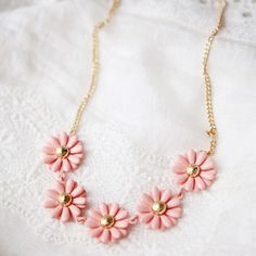 flowers, pink, and fashion resmi