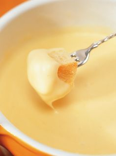Try Our Best Fondue Recipes Goat Cheese Pizza, Cheese Bread, Fondue Recipes, Appetizer Recipes, Appetizers, Raclette Recipes, Fondue Raclette, Fondue Cheese, Ricardo Recipe
