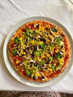 Glutenfreie Pizza in der Pizzeria Il Giardino in Wien Wiener Schnitzel, Vegetable Pizza, Vegetables, Food, Gluten Free Foods, Essen, Vegetable Recipes, Meals, Yemek
