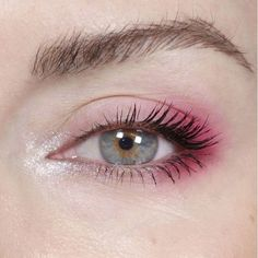 Pink Eye Makeup Looks Pink Eyes Makeup Eyeshadow Glitter Subtle # pink eye make-up sieht pink eyes make-up lidschatten glitter subtil Pink Eye Makeup Looks Pink Eyes Makeup Eyeshadow Glitter Subtle # Burgundy eye makeup Pink Eye Makeup Looks, Eye Makeup Art, Cute Makeup, Pretty Makeup, Skin Makeup, Eyeshadow Makeup, Beauty Makeup, Eyeshadow Palette, Makeup Brushes