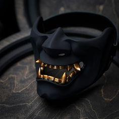 Character Inspiration, Character Art, Character Design, Armas Ninja, Oni Mask, Armor Clothing, Japanese Mask, Ninja Weapons, Halloween Masks