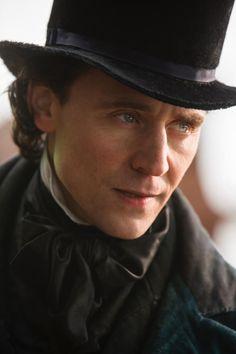 Tom Hiddleston as Sir Thomas Sharpe in #CrimsonPeak. via: torrilla.weibo