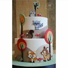 #Repost @identidadecriativa ・・・ Excesso de fofura nesse #Bolo que vi no @queridadata ! #TemaFloresta  Via #pinterest #dentrodafesta #festa #festainfantil #floresta #florest #cake #cakelook #borthday #birthdaycake #menino #boy #menina #girl