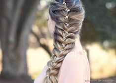 Style your long Rapunzel hair with our elegant side braid ideas. Here you will find inspiration for your next braid, including crown and French braids. # side Braids pictures 27 Elegant Side Braid Ideas To Style Your Long Hair Side Braids For Long Hair, Long Box Braids, Loose Braids, Braid Styles, Short Hair Styles, Natural Hair Styles, Side Braid Hairstyles, Cool Hairstyles, Hairstyle Ideas