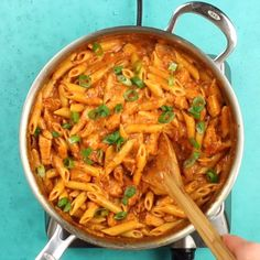food Cook a complete dinner in one pot with this Creamy Cajun Chicken Pasta, using mostly pantry-stable items. Perfect for busy weeknights! Top Recipes, Cooking Recipes, Healthy Recipes, Cooking Pasta, Cooking Videos, Cooking Classes, Pasta Food, Cooking Pork, Cooking Turkey