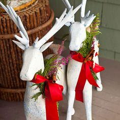 Dress up your front porch and yard with these holiday outdoor decorating ideas that last from the first days of fall through the New Year! http://www.bhg.com/christmas/outdoor-decorations/holiday-inspired-outdoor-decorating-that-lasts/?socsrc=bhgpin121514personalizedreindeer&page=10