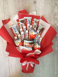 Candy Bouquet Diy, Food Bouquet, Flower Bouquet Diy, Gift Bouquet, Birthday Gifts For Boyfriend Diy, Creative Birthday Gifts, Bff Birthday Gift, Diy Mothers Day Gifts, Diy Presents