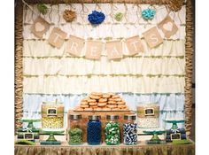 Candy bar on pinterest candy bars candy buffet and wedding candy bars - Deco buffet champetre ...