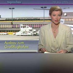 """""""Tagesschau"""" zur Standort-Entscheidung   20 Jahre später ist der BER immer noch nicht fertig! http://www.bild.de/regional/berlin/ard-tagesschau/vor-20-jahren-mit-ber-nachricht-46110244.bild.html"""