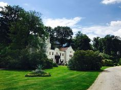 kleines schloss Parks, Seen, Mansions, House Styles, Potsdam, Lawn And Garden, Manor Houses, Villas, Mansion