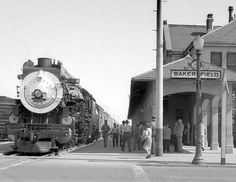 Northbond San Joaquin Daylight (train loading passengers at Bakersfield station sometime after July, Below is how the station looks today. Train Car, Train Tracks, Old Train Station, Train Stations, Bakersfield California, Tehachapi California, Central Pacific Railroad, Train Posters, Railroad History