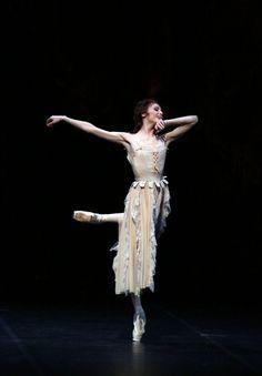 Manon - Svetlana Zakharova, photo Brescia e Amisano, Teatro alla Scala, 17 October 2018 Bolshoi Ballet, Ballet Dancers, Ballerinas, Svetlana Zakharova, Ballet Dance Photography, La Bayadere, Paris Opera Ballet, Ballerina Project, Russian Ballet