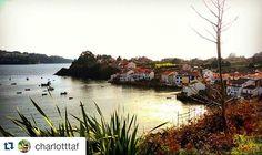Cómo nos gustan esas zonas de #Galicia donde el mar y la tierra se unen, como en el puerto de Redes #SienteGalicia Foto de @charlotttaf ・・・ #galiciacalidade #somosgalegos