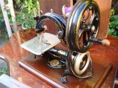 Old Vintage Antique Chain Stitch Sewing Machine Wilcox Willcox & Gibbs SEE VIDEO