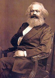 """Karl Marx (* 5. Mai 1818 in Trier; † 14. März 1883 in London)  """"Jetzt nennen sich schon einige Marxisten, ich würde mich selbst nichtmal als Marxist bezeichnen"""" (oder so ähnlich schrieb er an Engels:)"""