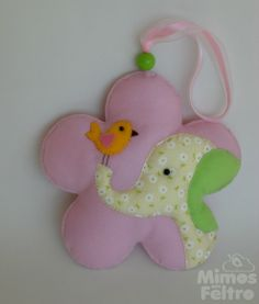 Felt crafts I bird on an elephant flower Baby Crafts, Hobbies And Crafts, Felt Crafts, Crafts To Make, Fabric Crafts, Sewing Crafts, Sewing Projects, Diy Projects For Kids, Crafts For Kids