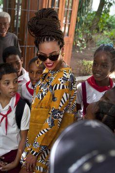 "beyonceshots:"" Beyoncé in Cuba"" Beyonce Knowles Carter, Beyonce And Jay, Solange Knowles, Blow Dry Natural Hair, Natural Hair Styles, Beyonce Beyhive, Beyonce Pictures, Beyonce Coachella, Beyonce Style"