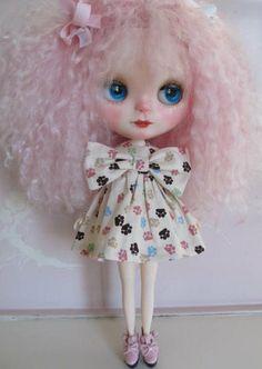 BOW TIE KITTY Dress handmade dress for Blythe by Kaeriefaerie52, $15.00