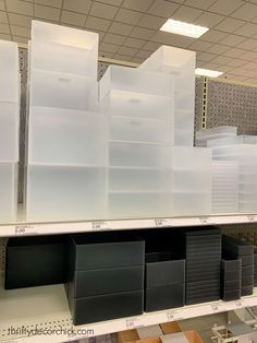 I found the perfect (cheap!) plastic bins for organizing bathroom and kitchen drawers and cabinets. Cheap Storage Bins, Desk With Drawers, Kitchen Drawers, Decorating With Pictures, Decoration Pictures, Decorating Ideas, The Home Edit, Thrifty Decor Chick, Bathroom Bin