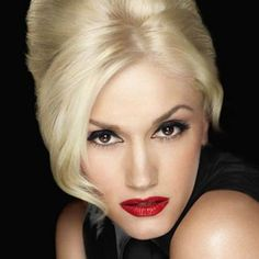 Your Celebrity Style Twin is Gwen Stefani Trendsetting, unique, and stylish. Gwen And Blake, Gwen Stefani And Blake, Gwen Stefani Style, Beauty Makeup, Hair Makeup, Makeup Hairstyle, Flawless Makeup, Glamour Shots, Lady
