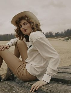 Photography: Fanny Latour-Lambert Styled by: Silvia Gabrielli Hair:Ramona Eschbach Makeup:Nina Haverkamp Model:Lotte Van Noort