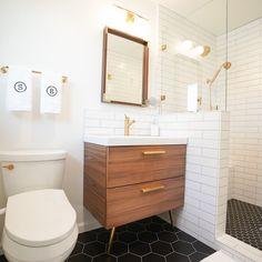 Small Bathroom Tiles, Upstairs Bathrooms, Bathroom Flooring, Master Bathroom, Tiled Walls In Bathroom, Modern Small Bathroom Design, Scandinavian Bathroom Design Ideas, Small Full Bathroom, Modern Boho Bathroom