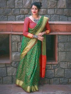 Beautiful Green Patola Silk Saree designed with Zari Work. Maroon Silk Blouse Comes as an Unstitched Material.(slight Variation in Color/Work/Fabric is Possible.The Blouse comes as Unstitched Material) Wedding Sarees Online, Silk Sarees Online, Fancy Sarees, Party Wear Sarees, Indian Beauty Saree, Indian Sarees, Half And Half, Green Saree, Stylish Sarees