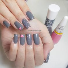 The advantage of the gel is that it allows you to enjoy your French manicure for a long time. There are four different ways to make a French manicure on gel nails. Gel Uv Nails, Manicure And Pedicure, Diy Nails, Bling Nails, Cute Acrylic Nails, Cute Nails, Glitter Make Up, Nail Art Designs Videos, Pretty Nail Art