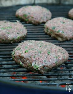 Traditionally cooked on a skewer, this grilling recipe for Lebanese Kafta with Lamb and Beef combines Middle Eastern roots with a classic hamburger! Lebanese Recipes, Turkish Recipes, Lamb Burgers, Grilled Lamb, Those Recipe, My Recipes, Dinner Recipes, Mediterranean Recipes