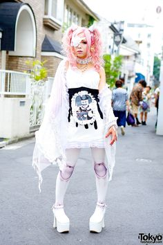 Rumanjyu in Harajuku w/ Eye Patch, Devil Horns, Pink Hair & h.NAOTO h. NAOTO wrap over white dress – Tokyo Fashion News